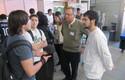 El Decano de la Facultad de Ingeniería, José Manuel Robles, conversa con asistentes a la jornada.