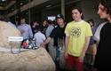 Alumnos del Dewey College junto con el  robot Mindstorm de Lego NTX 2.0.