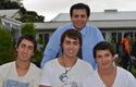 Pedro Silva, director de Ingeniería Civil Industrial, junto con alumnos de primer año de Concepción.