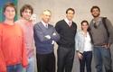 Alumnos, decano José Manuel Robles y Alex Cahn.