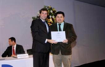Alumnos y profesores de Ingeniería y Geología recibieron distinción a la Excelencia