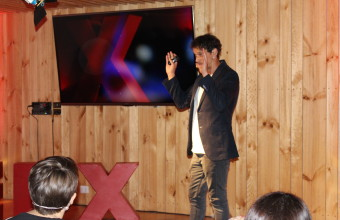 """La Belleza de Crear"" en TEDxUDD Salón"