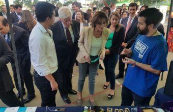Ministra de Educación visitó Stand del Maker Campus UDD