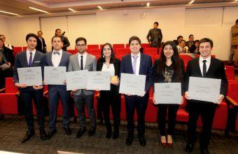 Reconocimiento al esfuerzo y compromiso en la 1era titulación del Magíster en Ciencias de la Ingeniería